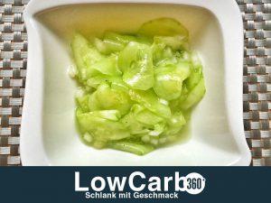 Low Carb Gurkensalalt